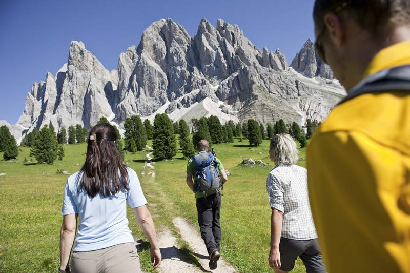 The picturesque Val di Funes is an outdoor gym for those who love active holidays. Already when you approach the valley, your sight is caught by the bizarre peaks of the Odle pinnacles, belonging to the UNESCO Natural World Heritage Site.